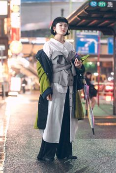 The Best Street Style Photos From Tokyo Fashion Week Spring 18 Tokyo Fashion, Japon Street Fashion, Japanese Street Fashion, Harajuku Fashion, Cool Street Fashion, Fashion Week, Look Fashion, Fashion Photo, New Fashion