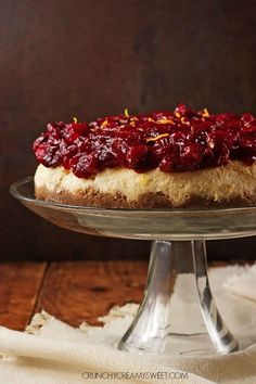 Cranberry Orange Cheesecake – sweet and creamy orange cheesecake baked to perfection, topped with gorgeous cranberry sauce. This cheesecake is perfect finish to your Christmas dinner!