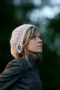 cute hat. free pattern.. Claims to be crochet in the original pin, but I think it looks like it might be knit...