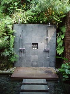 Creating a Tropical Bathroom on a Budget Outdoor Pool Shower, Outdoor Baths, Outdoor Bathrooms, Dream Bathrooms, Beautiful Bathrooms, Tropical Showers, Tropical Bathroom, Outside Showers, Rustic Bathroom Designs