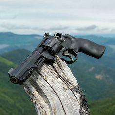 Smith and Wesson - performance center 357 magnum Weapons Guns, Guns And Ammo, Rifles, Best Handguns, Revolver Pistol, Tactical Revolver, Shooting Guns, Custom Guns, Military Guns