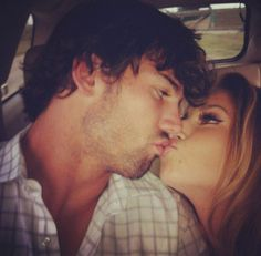 MY FAVORITE COUPLE!!! jessie james & eric decker...I'm obsessed with these two! they honestly remind me of me & my boyfriend♥