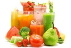 Make a healthy detox smoothie full of vitamins, minerals, and antioxidants. This tropical detox smoothie tastes amazing! Dietas Detox, Detox Kur, Detox Diet Plan, Smoothie Detox, Herbal Detox, Detox Tips, Detox Foods, Ab Foods, Lymph Detox
