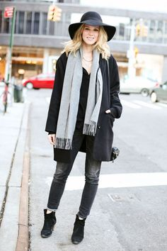 Shades of gray lighten up an otherwise all-black look #streetstyle