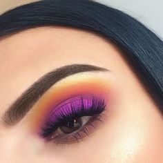 Recreate this beautiful bold look by @sophiahickel for a summer sunset with our Ultimate Shadow Palette in 'Brights' ✨ #nyxcosmeticsnordics #nyxprofessionalmakeup