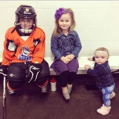 #throwback to early morning #juniorpronghorn days with these three. #hockeymom #jugglingthesemorningssolowerentsoeasybackthen  #momlife by jodragland