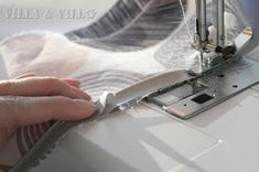 Villa ja Villa: DIY meikkipussi tai pussukka (versio 2) Diy Bags Purses, Sewing, Villa, Needlework, Sew, Villas, Stitching, Costura