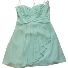 Host Pick Davids Bridal crinkle chiffon dress Strapless mint dress in size 0, ruching detail with sweetheart neckline is very flattering. Fully lined, zip back. Poly. Dry clean only. Style F14847 David's Bridal Dresses Strapless