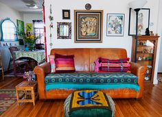 Pad Peek: Dina's Nomadic-Romantic Apartment
