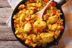 Hispanic Cuisine: Arroz Con Pollo In A Pan. Horizontal Top View Stock Image - Image of indian, curry: 62444141 Croq Kilo, Pan Pork Chops, Easy Steak Fajitas, Chicken Paella, Pollo Recipe, Chicken Recipes For Two, American Dishes, Easy One Pot Meals, Stuffed Peppers