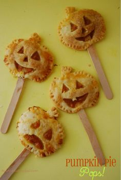 yummy mini pumpkin pies on a stick... sooo cute!!