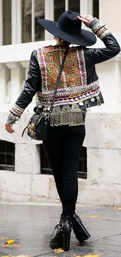 Black Tribal Embellished Moto Jacket by Peeptoes                                                                                                                                                                                 Más