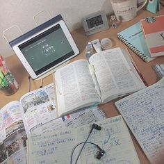 Study Desk Organisation, I Hate School, Study Room Decor, Study Corner, Study Schedule, Study Techniques, Study Pictures, School Study Tips, Study Planner