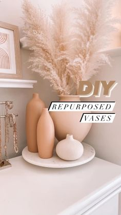 Diy Home Crafts, Diy Craft Projects, Diy Home Decor, Craft Ideas, Diy Painted Vases, Terracotta Paint, Diy On A Budget, Vases Decor, Diy Painting