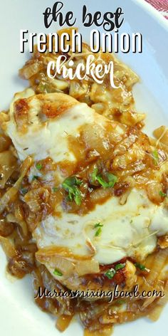 If you love the taste of French Onion Soup you re going to go crazy over this French Onion Chicken It s finger-licking good and soon to be a family favorite meal frenchonionchicken chickenskillet chickenrecipes mariasmixingbowl Crockpot Recipes, Cooking Recipes, Healthy Recipes, Onion Recipes, Delish Chicken Recipes, Recipes With Shredded Chicken, Yummy Dinner Recipes, Different Chicken Recipes, Chicken Fillet Recipes