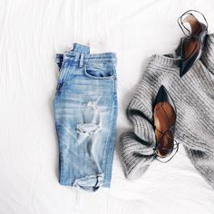 Chunky knits, boyfriend jeans, and lace up flats. We can't wait for fall.
