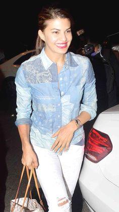 Photos: Kareena Kapoor Khan and Jacqueline at Zoya Akhtar's house Bollywood Outfits, Bollywood Actors, Cute Girl Poses, Kareena Kapoor Khan, Hollywood Fashion, Indian Models, Vogue Fashion, Fashion Story, Work Wardrobe
