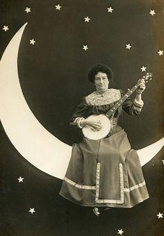 The Society of Distinguished Ghosts Vintage Lesbian, Lesbian Art, Vintage Romance, Moon Photography, Photography Backdrops, Vintage Photographs, Vintage Images, Toddler Portraits, Vintage Sailor