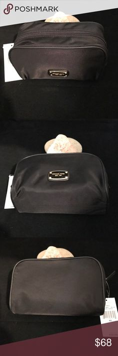 MMK LG TRAVEL POUCH NWT/BLACK MMK LG TRAVEL POUCH NWT/BLACK  ❌NO TRADES. MSRP $68+tax  🔴OFFERS SHOULD BE MADE THROUGH POSH OFFER FEATURE 🔴PRICES NOT DISCUSSED IN COMMENTS  🔴FEEL FREE TO ASK ANY QUESTIONS MICHAEL Michael Kors Bags Cosmetic Bags & Cases