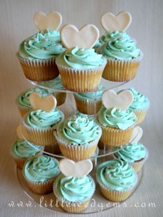Turquoise, vanilla cupcakes with white hearts - www.littleicedgems.com
