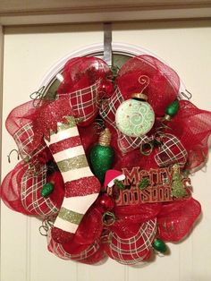 pictures+of+deco+mesh+christmas+wreaths | Fun and festive deco mesh Christmas wreath! | Wreath Ideas