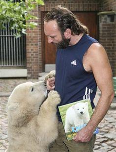 Thomas Dörflein & Knut (polar bear) - Memory
