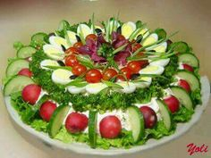 Fruit Platter Designs Presentation Parties Food 23 Ideas For 2019 Fruit Platter Designs, Food Carving, Sandwich Cake, Food Garnishes, Garnishing, Veggie Tray, Food Displays, Food Platters, Food Decoration