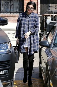 kylizzlejennerfashionstyle:  Kylie Jenner out and about in LA (Oct. 24)