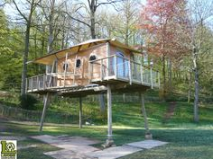Portable cabin that can be placed up cement blocks, raised on stilts or floated on water.