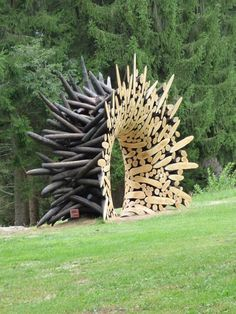 Sculpture (2015) by Korean artist Jaehyo Lee (b.1965). Installed Arte Sella, International Meetings Art Nature, Trentino, Italy. via scoop