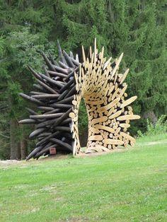 Sculpture (2015) by Korean artist Jaehyo Lee (b.1965). Installed Arte Sella, International Meetings Art Nature, Trentino, Italy. via scoop