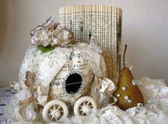 photo instruction here http://handmade-website.com/paper-pumpkin-carriage/
