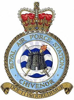 Fortune Favors The Bold, Royal Air Force, Crests, Armed Forces, Aviation, Badges, Kites, Ww2, Flags