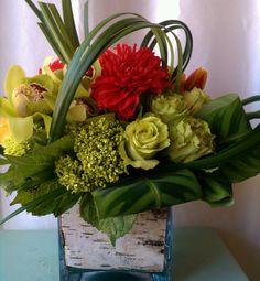 Lovely. Orchids, Roses & such   #Flowers #floral-arrangement
