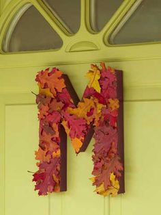 Leafy Monogrammed Letter.  I'll be making this for my front door this Fall!