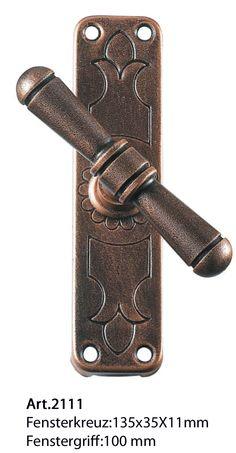 Art.2111. Klassische Eisen Fensterkreuz von Galbusera. Classic Wrought iron T window handle.
