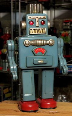 ATTIC OF ASTOUNDING ARTIFACTS: Smoking Robot (Yonezawa / 1963 / Japan / 12.5 inches)