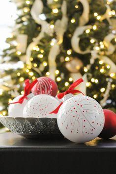 DIY Nordic Christmas Ornaments Christmas Tags Printable, Christmas Gift Tags, Christmas Signs, Handmade Christmas, Christmas Diy, Christmas Stuff, Scandinavian Christmas Decorations, Nordic Christmas, Red Ornaments