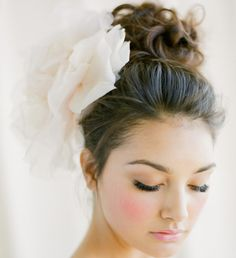 elegant updo wedding hairstyle Photo: KT Merry Photography
