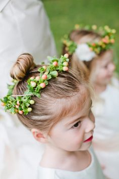 Great idea for your summer flower girls, how sweet! #summerweddings