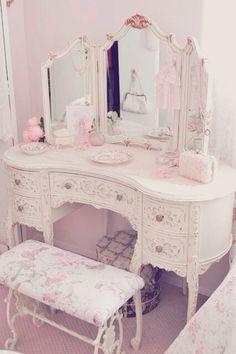 Trendy Ideas Girly Bedroom Ideas For Kids Shabby Chic Bedroom Decor For Teen Girls, Cute Bedroom Ideas, Cute Room Decor, Girl Bedroom Designs, Room Ideas Bedroom, Shabby Chic Interiors, Shabby Chic Homes, Shabby Chic Furniture, Shabby Chic Bedrooms