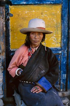 Tibet, Province de l'Amdo - Femme tibétaine -  Photo prise par Steve McCurry, photographe -