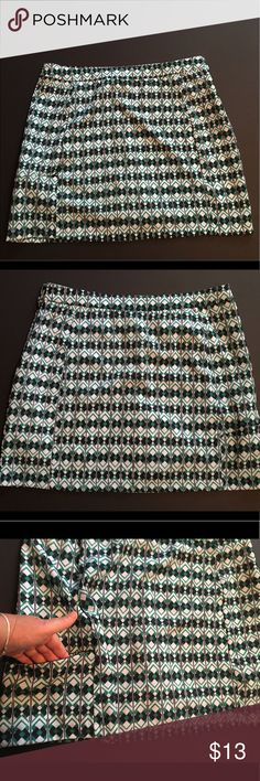 Emerald 18 Golf Skort Black, green and white golf skort. Practically new, adjustable waist band and zippered hip pocket. CL-055 Emerald 18 Skirts