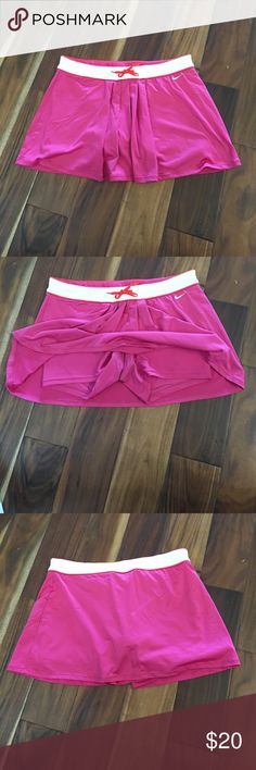 Nike workout skirt with spandex Great condition. No tears or stains Nike Shorts Skorts
