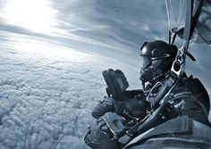 HAHO (High Altitude High Opening) with full kit on SAT communications, and SAT GPS navigation; Military Photos, Military Police, Military Weapons, Military Art, Usmc, Marines, Us Navy Seals, Military Special Forces, Green Beret