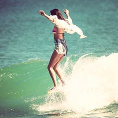 Boho Surfing - why not ? we love this here at #mauaomauao