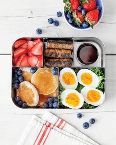 Pack school lunches your kids will love to eat! The Simple Lunchbox includes more than 100 easy school lunch ideas, designed for hungry kids of all ages. Easy Healthy Meal Prep, Easy Healthy Recipes, Healthy Snacks, Healthy Eating, Kids Packed Lunch, Lunch To Go, Bento Recipes, Baby Food Recipes, Boite A Lunch