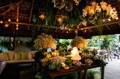 Tatiana & Gutti. - OMG I'm Engaged -casamento - Wedding- casamento praia - noiva- Bahia - Brasil - casamento dia - bouquet-  - decoração -Fotos: Fernanda Souto e  Ernandes Alcantara