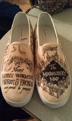 MARAUDER'S MAP SHOES. I would never get lost with these! -- mischief managed! now if only i was artsy enough to draw this....