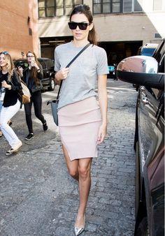 grey tee + pink pencil skirt + silver heels